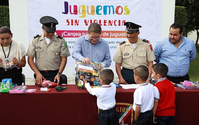 Ayuntamiento De Tepic Y Sedena Inician Programa Juguemos